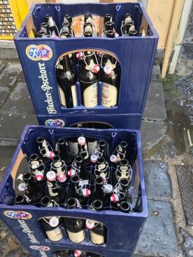 """Zähl ich großzügig zu gutem Bier! In Ermagelung von Hofstettner … wie gern würd ich jetzt in die """"Alte Welt"""" gehen, auf …"""