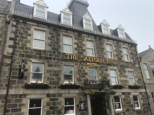 Hotel & Pub: billigstes Bier in ganz … wo wir bis jetzt waren.